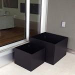 black aluminum planters1