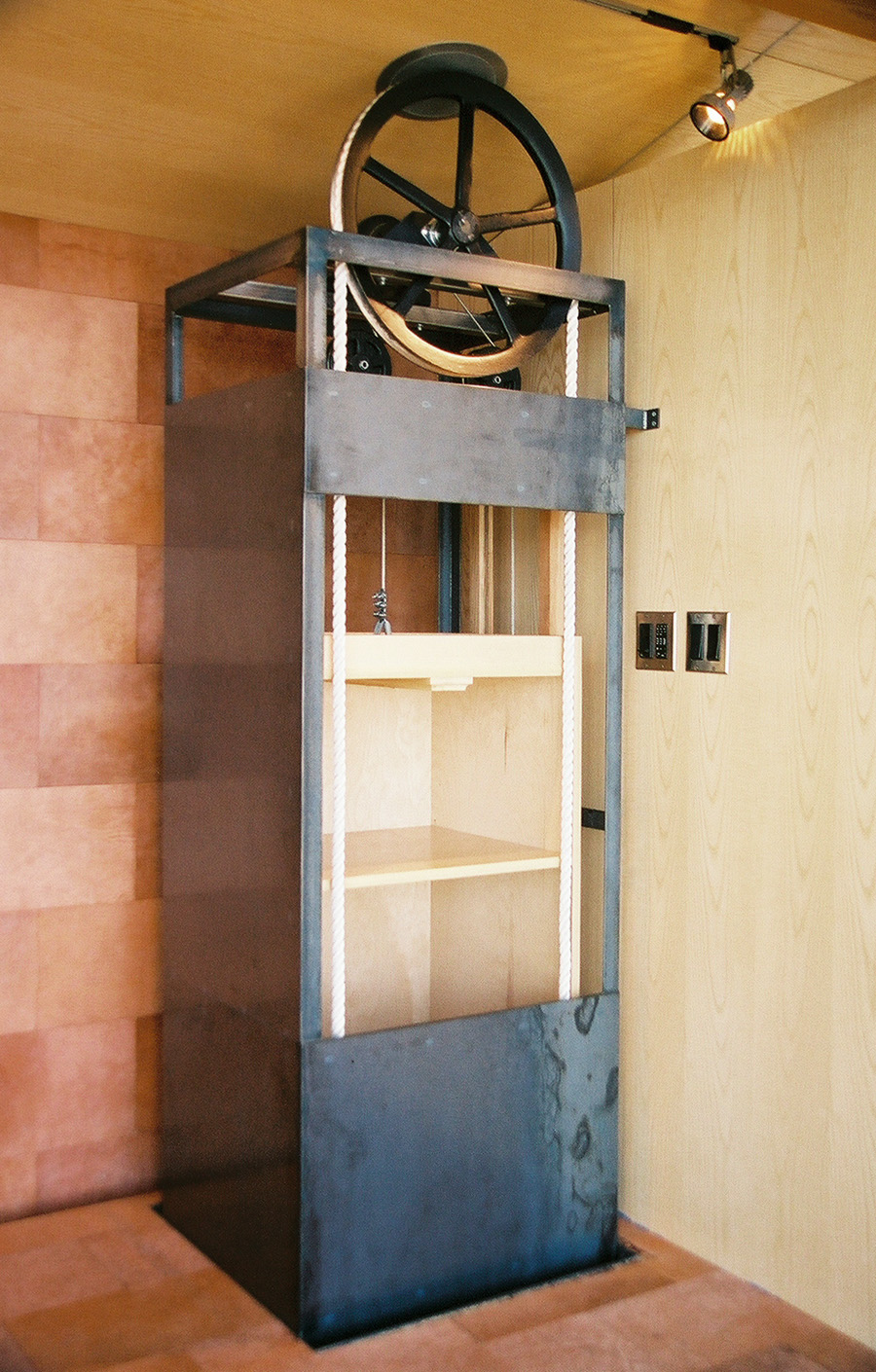 Containers pulley systems folio for Diy home elevator plans